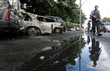 incendiar-rio-favela-280414-3_1