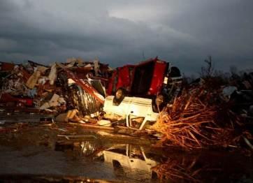 tornados_azotan_eu_reuters00
