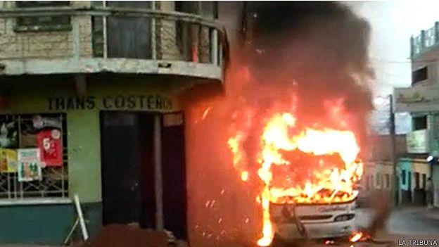 150507173511_sp_autobus_quemado_honduras_624x351_latribuna