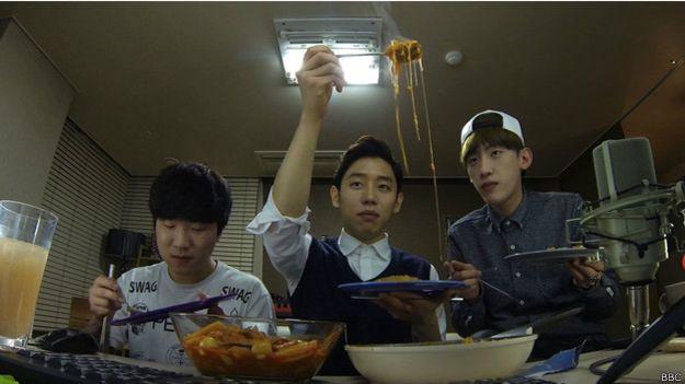 150212174659_coreanos_comida_624x351_bbc