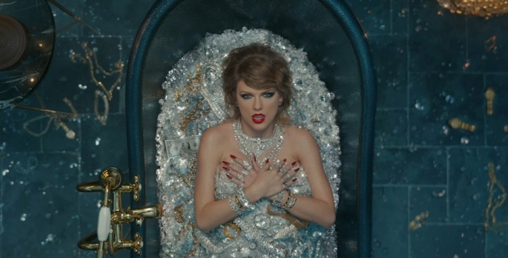 taylor-swift-look-what-you-made-me-do-video-stills-09.jpg